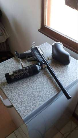 Spyder paint ball gun comes with hopper and gas bottle .seals need to