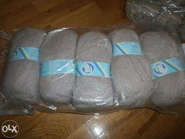 Продам полушерстяную пряжу (нитки для вязания) разных цветов