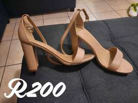 Ladies size 5 and 6 shoes