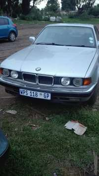 Image of Bmw 730i body or parts
