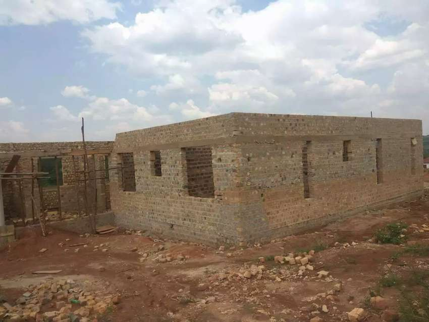 Shell house for Sale in Kira-Nsasa 0