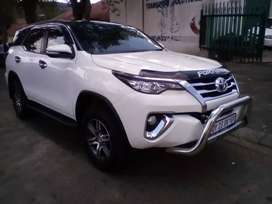 2017 Toyota Fortuner, 76,000km,service book, sparekey, leather seat