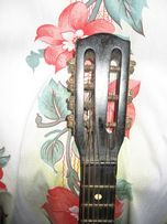 Продам Русскую акустическую гитару классика 7 струн раритет 53 года.