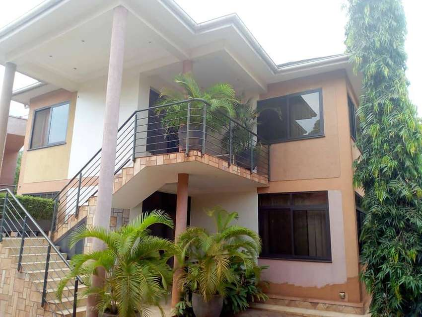 Nice fully furnished double room for rent in Muyenga at 2m 0