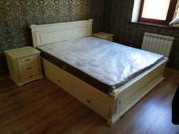 Кровать с ящиками. Двуспальная деревянная кровать.