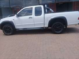 Isuzu KB250 Bakkie 2011 model for sale