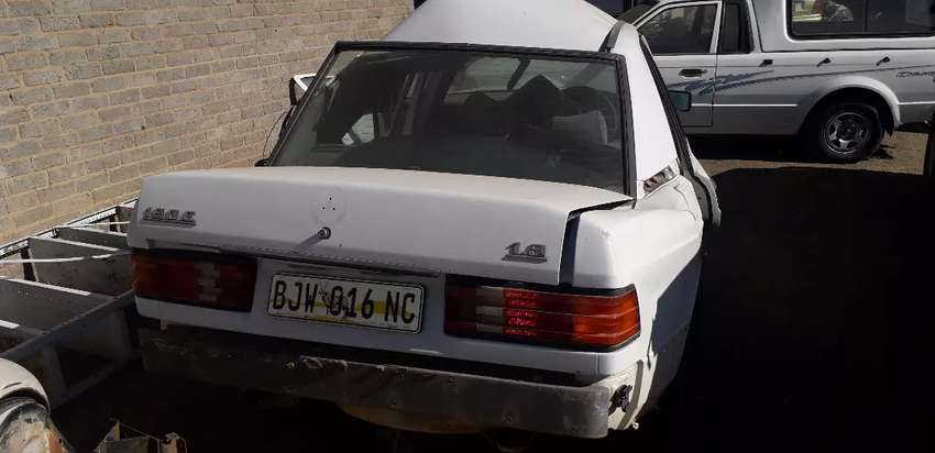 Mercedes stripping for spares c180 0