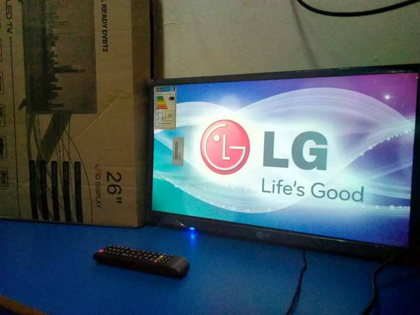 Brand new lg 26 inches flat screen with inbuilt free to air decoder 0