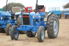TRACTOR - FORD 4000