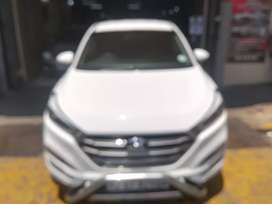 HYUNDAI TUCSON FOR SALE AT VERY LOW PRICE
