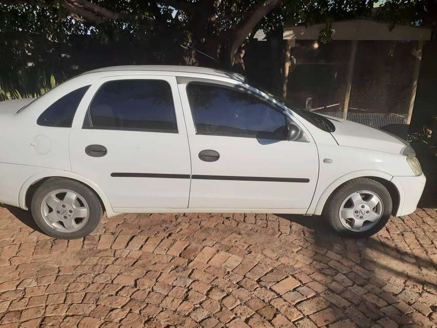 Opel Corsa 1.6 with aircon and power steering 0