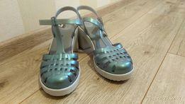 Босоножки, сандали, туфли
