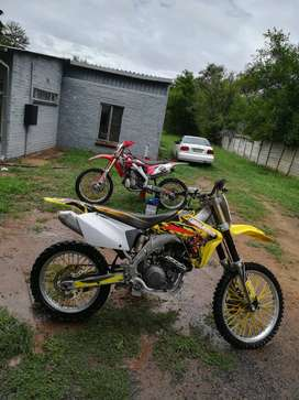 Its a fully ofroad 4 stroke 450cc with Captain Morgan kit