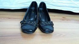 Damskie buty na obcasie