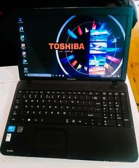 TOSHIBA LAPTOP (Slightly Negotiable)