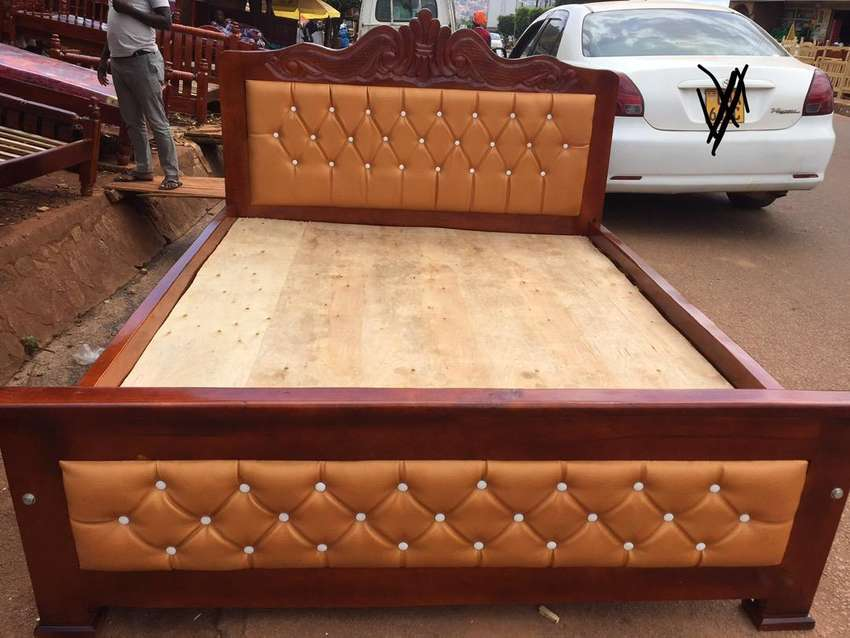 Ready to take French bed queen size 0