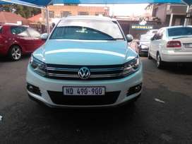 VW TIGUAN 2.0 TSi BLUEMOTION AUTO