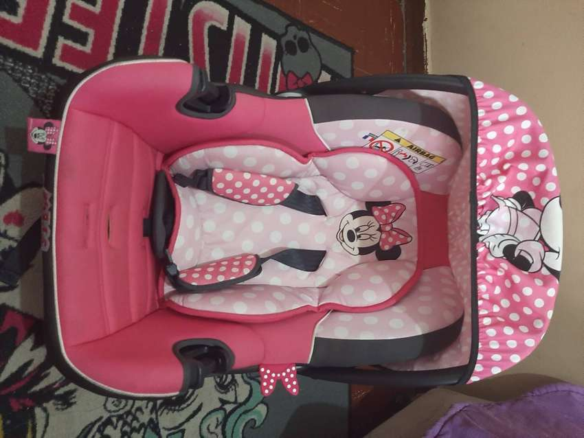 Minnie Mouse Car Seat 0
