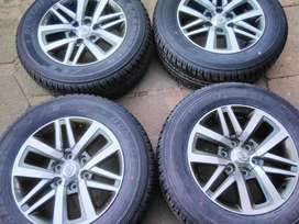 "18"" Fortuner mags and Dunlop tyres"