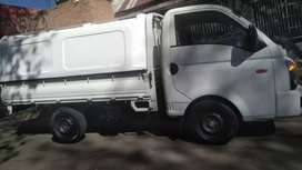 HYUNDAI H100 BAKKIE WITH CANOPY IN EXCELLENT CONDITION