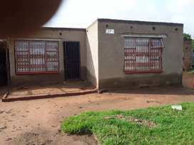 4 rooms and boys room  based in lepheng ville