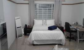 Affordable Clean Studio Cottage for rent Near Houghton Golf estate