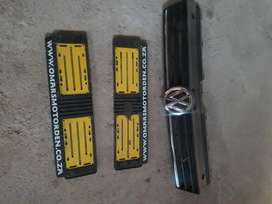 VW POLO FRONT GRILL