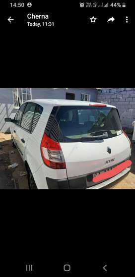 Renault Scenic II vehicle with mag wheels for sale