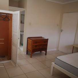 FURNISHED GARDEN FLAT TO RENT.- LINTON GRANGE4