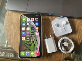 iPhone XS Max (512GB) Excellent  & accessories- FACEID Faulty