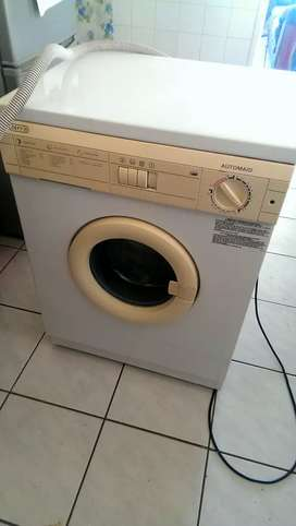 Defy Automaid washing machine. Excellent condition