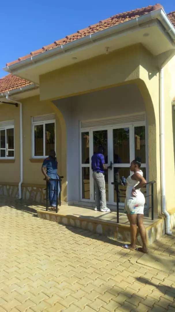 Single bedroom and one sitting for rent  on salama road 0