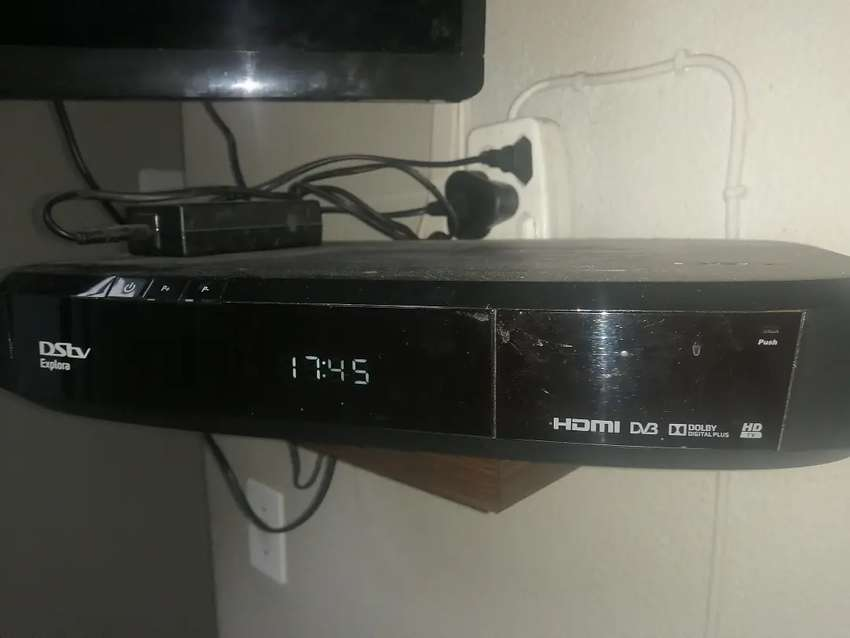 Explora decoder with brand new dish and lnb