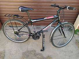 """26"""" bicycle black with Raleigh tire pump"""