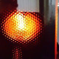 Жаропрочное черное стекло для варочных поверхностей и электроплит