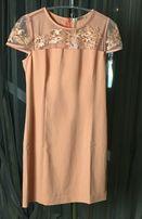Платье женское персикового цвета расшито гладью (летнее)
