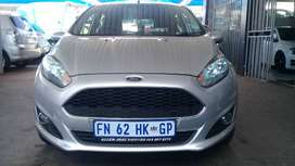 2016 Ford Fiesta 1.1 Engine Capacity with Manuel Transmission