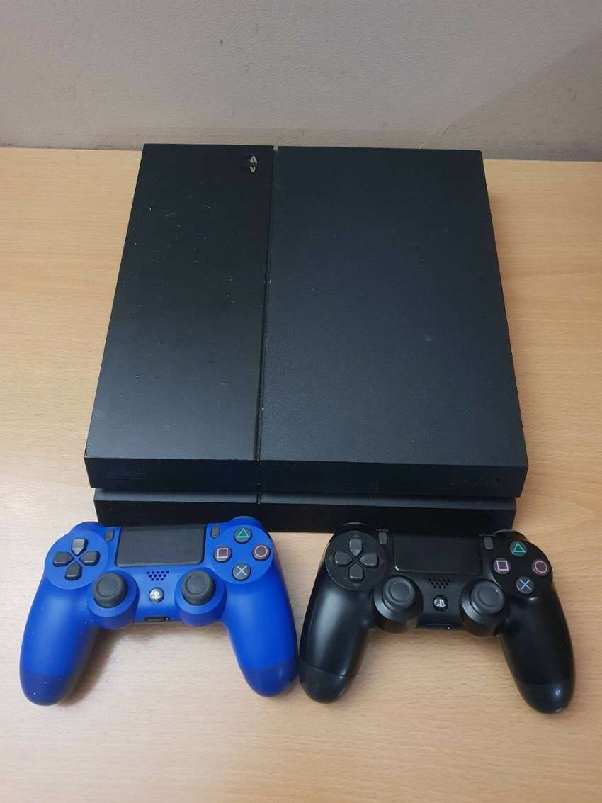ps4 pre owned working perfectly 0