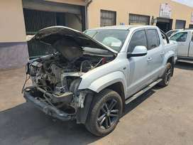 Amarok 132kw 4x4 Auto stripping for spares CALL OR WHATSAPP ONLY