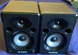 Alesis Studio Speakers
