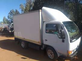 nissan ud20 with isolated body unit must just be fitt new front tyres