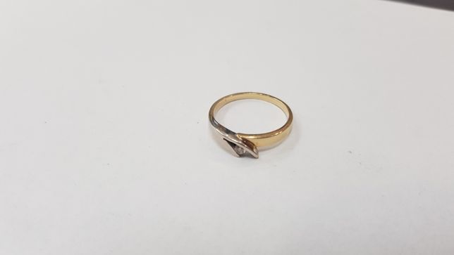 Piękny złoty pierścionek/ 585/ 2,19 gram/ R16/ sklep Gdynia/ Gdynia - image 2