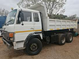 HINO (MECHANICAL WORK NEEDED) ADE 407 T 10 CUB TIPPER
