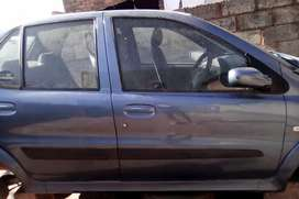 TATA INDICA LSI ( selling Boot,back door with mirror,bumper)