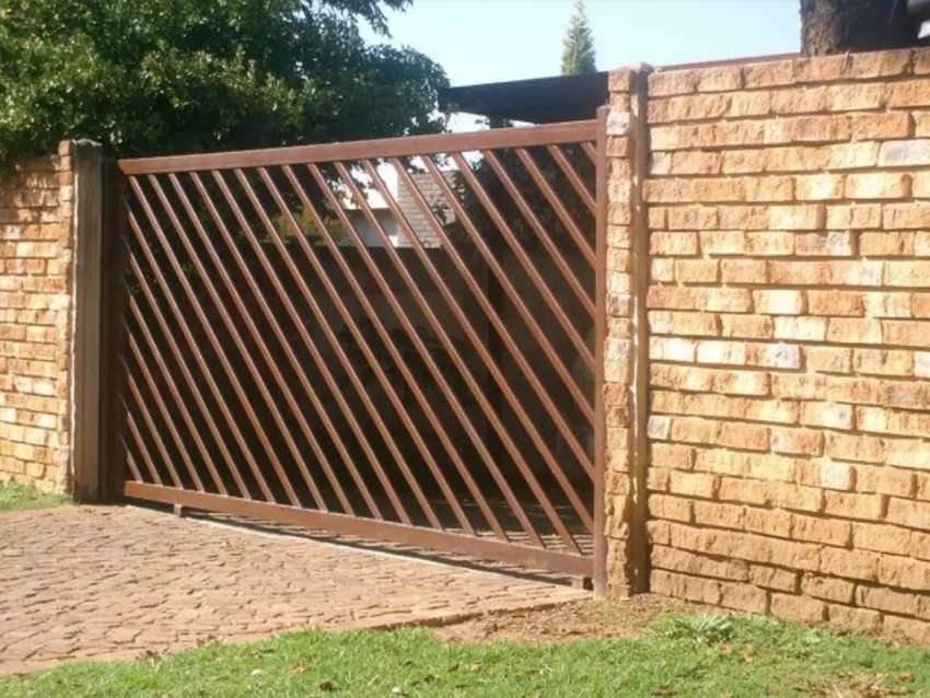 Gates and fence 0