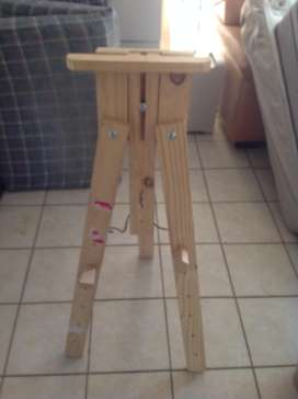 A-frame canvass painting stand