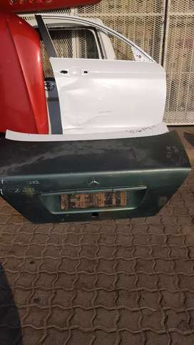 MERCEDES-BENZ 202 TAIL GATE AVAILABLE
