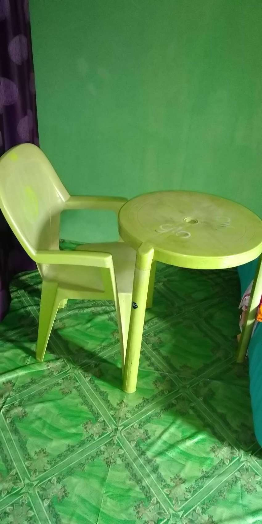 Plastic chair & table 0