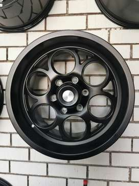 "Reduced: 18"" Bakkie Rims"