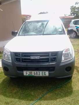 Isuzu KB250 very strong good condition low mileage cums wth canopy